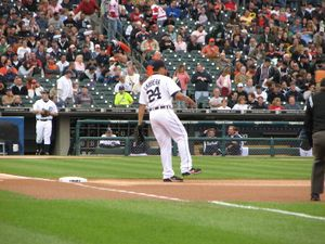 Miguel cabrera on base-4194.jpg